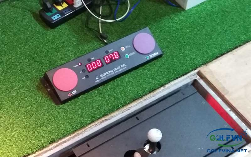 lắp thiết bị golf 3d trong nhà